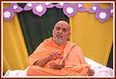 Elaborating on the importance of Satsang during his blessings in the Murti pratishtha assembly