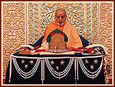 Swamishri, may you live for a hundred years! Birthday cards and wishes from all over the world