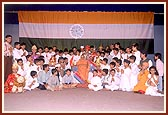 A group photo with children, teenagers and youth performers of the drama 'Sare Jahase Achha' on Children's Day program