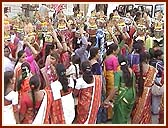 Women carrying Kalashes during the nagar yatra