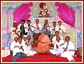 Swamishri with devotees who had sacrificed their all for the Tithal Mandir