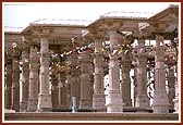 The pillars of the mandir,Pramukh Varni Celebration (English date), 21 May 2000