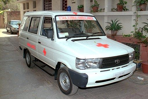 The newly sanctified BAPS Mobile Medical Van for earthquake victims in the interior villages of Bhuj district