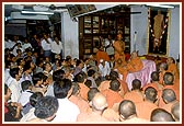 A short assembly on Swamishri's arrival from Middle East tour