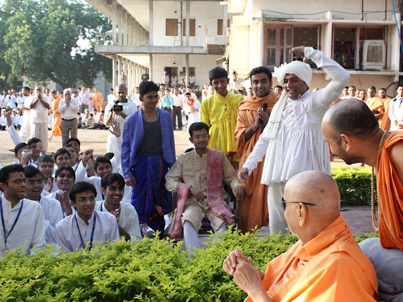 Youths present a skit before Swamishri