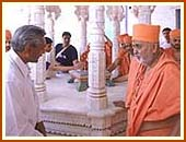 Swamishri at Gaushala sactified by Lord Swaminarayan, Bhuj