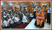 Swamishri beneath the mandir dome