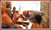 Swamishri blesses the percussion maestro