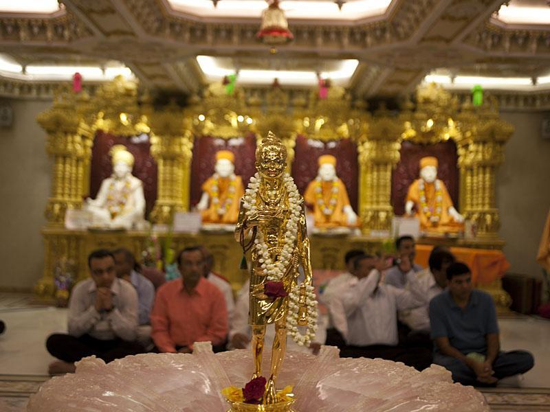 13 december 2010 mumbai india for Annakut decoration ideas