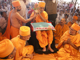 Swamishri and senior sadhus perform the murti-pratishtha rituals