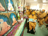 Swamishri performs pratishtha rituals of murtis for several BAPS hari mandirs