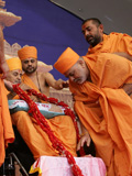 Swamishri and senior sadhus preside over the murti-pratishtha assembly