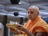 Swamishri performs murti-pratishtha rituals for new BAPS hari mandirs at Jantral and Vatav