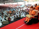 Swamishri blesses devotees of Olpad and Sachin