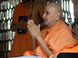 After Thakorji's darshan Swamishri departs from