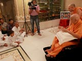 Swamishri blesses devotees from Napad