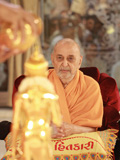 Swamishri engaged in darshan of Shri Nilkanth Varni...