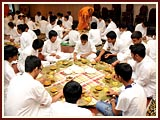 The Swaminarayan Sampraday: 1781 Special Meals Session
