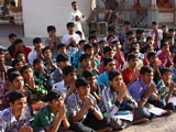 Students from Swaminarayan Vidyamandir, Sarangpur engaged in darshan of Swamishri