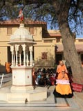 Swamishri performs pradakshina of holy shrine
