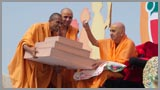 Personal notes written by all participants are sanctified by Swamishri