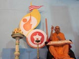 Swamishri lights the inaugural lamp of 2012 batch of Yuva Talim Kendra