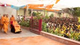 Swamishri arrives for darshan