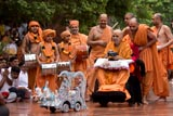 Swamishri drives the remote-controlled chariot of Harikrishna Maharaj