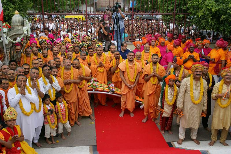 Sadhus and devotees with the chariot, ready to conduct the rathyatra around the mandir