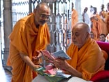 Swamishri releases the 5th and 6th audio CDs from the series of 'AARSH Pravachan Mala', compiled from talks given at AARSH, Akshardham