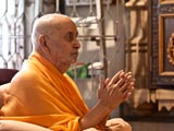 Swamishri in the mandir for darshan