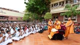 Devotees engaged in darshan of Swamishri