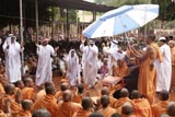Devotees rejoice in front of Swamishri