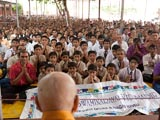 Students from BAPS Swaminarayan Vidyamandir, Selvas, doing darshan of Swamishri