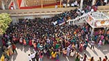 Devotees gathered for annakut darshan