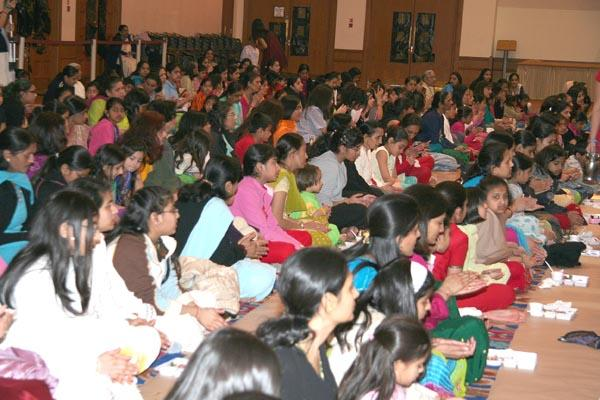 "matru devo bhava pithru devo bhava 03012018 srimatae ramanujaya namaha, sri velukkudi krishnan swami guruvae namaha, super baktha adiyen would like to use this opportunity here is ""acharya dhevo bhava"" lyrics."