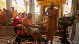 Swamishri sanctifies weighing scale