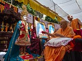 Swamishri performs pujan of murti for Vasna Mandir