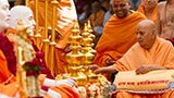 Swamishri sanctifies kalashas