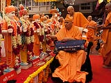 Swamishri performs pujan of murtis for Khergam Mandir