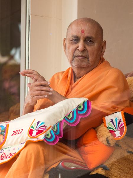 Swamishri in the gallery