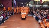 HH Pramukh Swami Maharaj arrives for Thakorji's darshan at 12:44 pm