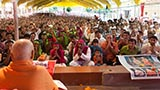 Swamishri blesses tribal devotees from Poshina