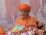 Swamishri inaugurates a new book for kids, 'Yogi and the Magical Sage'