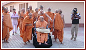 Swamishri on his way to his morning puja