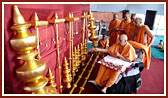 Swamishri performs pujan of kalashas and flagstaffs of new guru shikhars for Gondal Mandir
