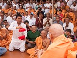 A magic presentation before Swamishri