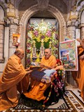 Swamishri inaugurates a new video publication 'Ghanshyam Charitra Part 2 - Ghanshyam and the Miracles of Life'