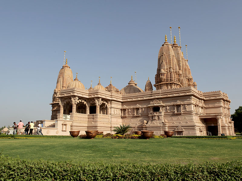 Silvassa India  city photos gallery : Murti Pratishtha of BAPS Swaminarayan Mandir, Silvassa, India