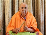 Swamishri sanctifies flutes